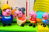 Peppa Pig Play-Doh Farm ✯ Peppa Pig Family Nickelodeon Julius Jr Amusement Park DisneyCarToys