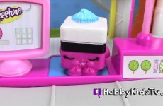 Bad Piggie Steals Chocolate Olaf Egg! Shopkins Small Mart by HobbyKidsTV #HKTV