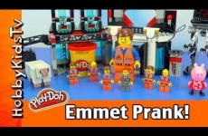 Lego Movie Nightmare PRANK! Too Many Emmets Scare Lord Business! Who Plays Tricks on Him?!?!