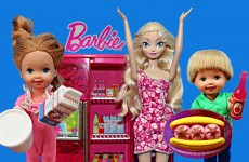 Frozen Elsa's Kids and Spiderman Raid Barbie Fridge Spiderman Babysitter DisneyCarToys Doll Video