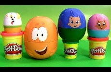 Play Doh Bubble Guppies Stacking Cups SURPRISE EGGS Pocoyo Disney Frozen HelloKitty Kinder PlayDough