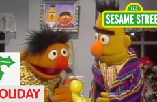 Sesame Street: Bert and Ernie Exchange Gifts