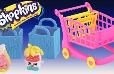 New Shopkins Playset Opening of Shopkins XL Shopping Cart with Exclusive Shopkins