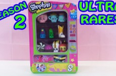 Shopkins Vending Machine Playset with Ultra Rare Season 2 Shopkins