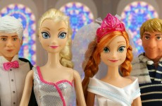 Anna and Jack Frost Wedding – Can Frozen Elsa Stop It in Time? DisneyToysFan