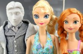 Frozen Elsa Freezes Hans With Anna After He Becomes King. DisneyToysFan