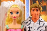 Should Kristoff and Elsa Get Married? Elsa's Evil Cousin is behind it. DisneyToysFan