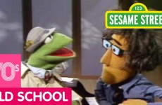 Sesame Street: Kermit News – Row Your Boat