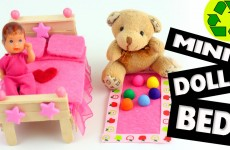How to Make a Mini Bed for LPS, Lalaloopsy and Barbie Babies – Easy Doll Crafts